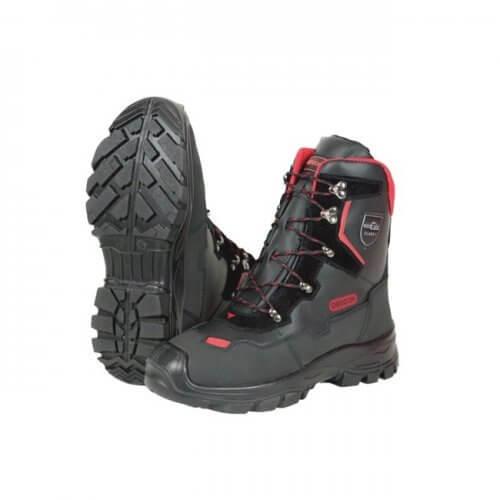 As resistentes botas OREGON® para trabalhos com motosserra
